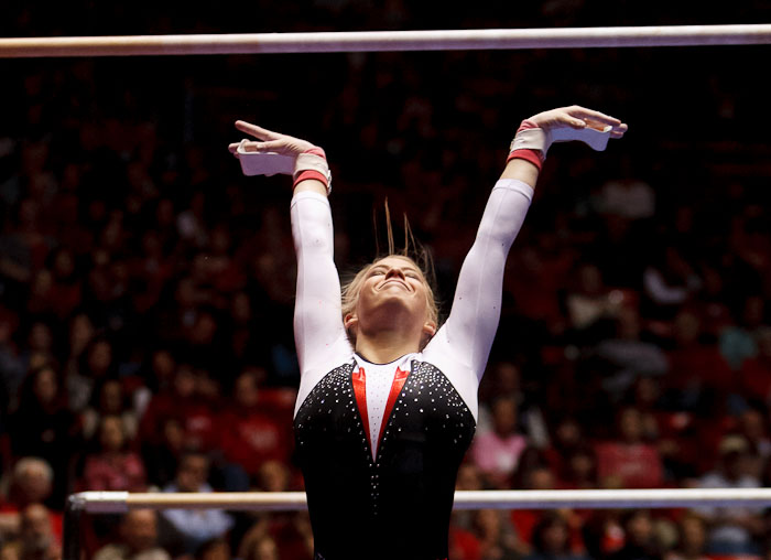 Hailee Hansen on bars<br />