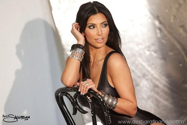 kim-kardashian-linda-sensual-sexy-sedutora-boob-peitos-decote-ass-bunda-gostosa-desbaratinando-sexta-proibida (147)