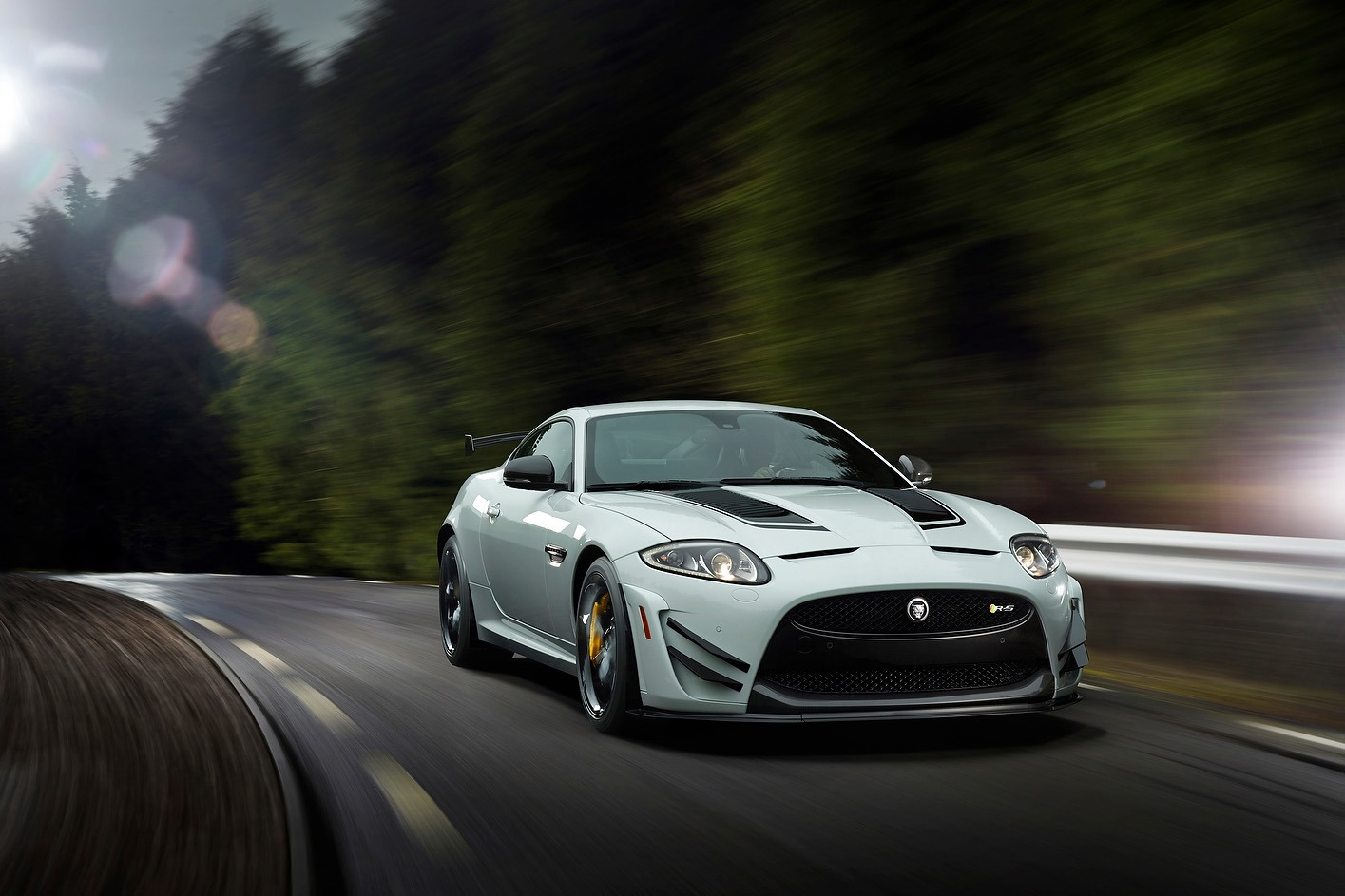 jaguar-xkr-s-gt-5%5B3%5D.jpg