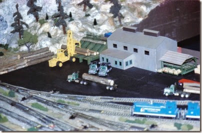 01 LK&R Layout at the Triangle Mall in February 1995