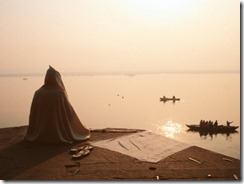 halaska-jacob-pilgrim-praying-varanasi-india