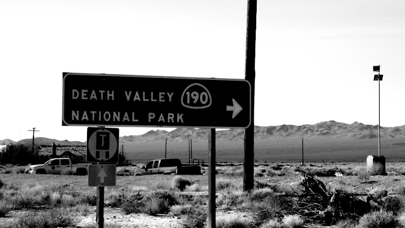 Death Valley -- This Way!