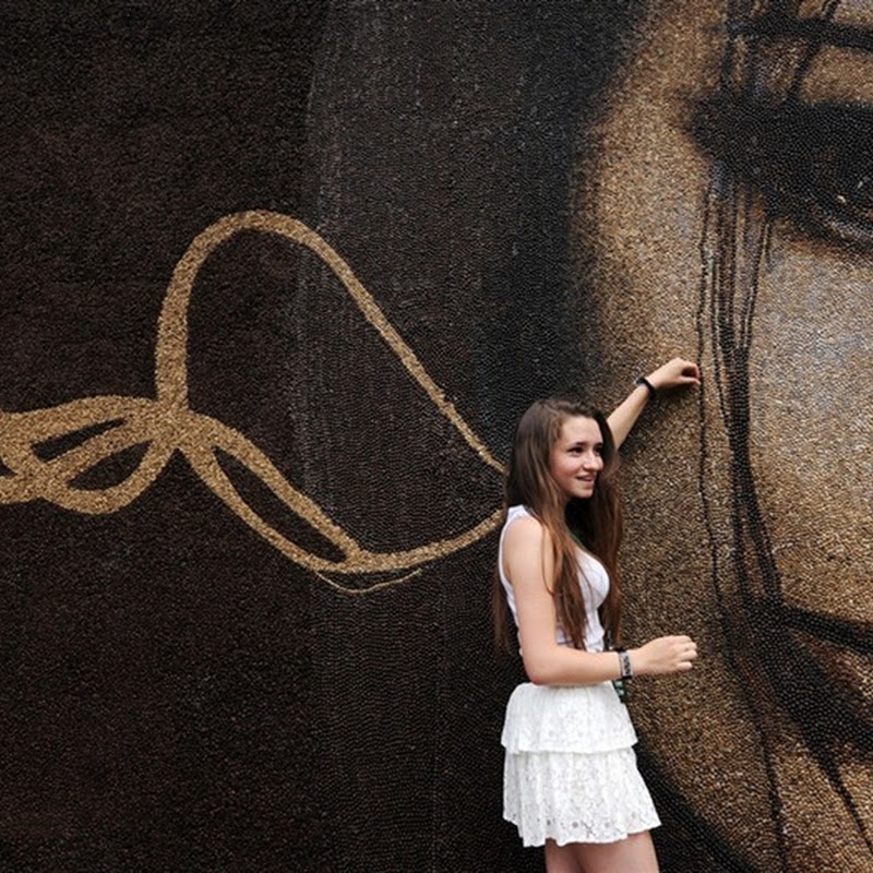 World's Largest Coffee Bean Portrait Unveiled in Moscow