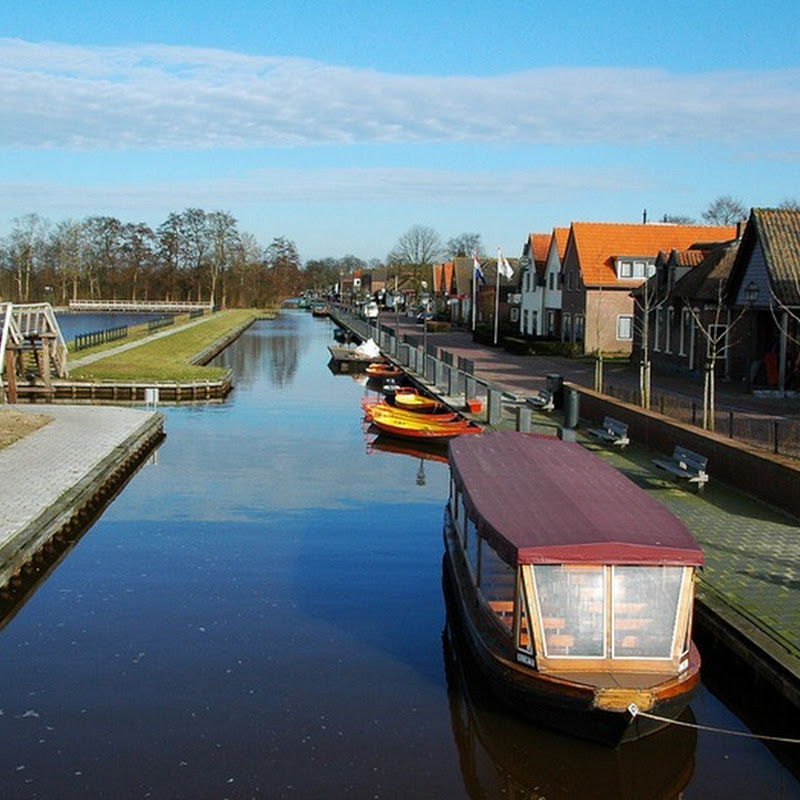 Giethoorn: The Village With No Roads