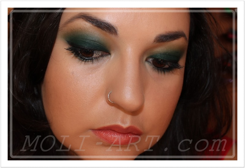 look-maquillaje-makeup-green-smoke-verde-oscuro