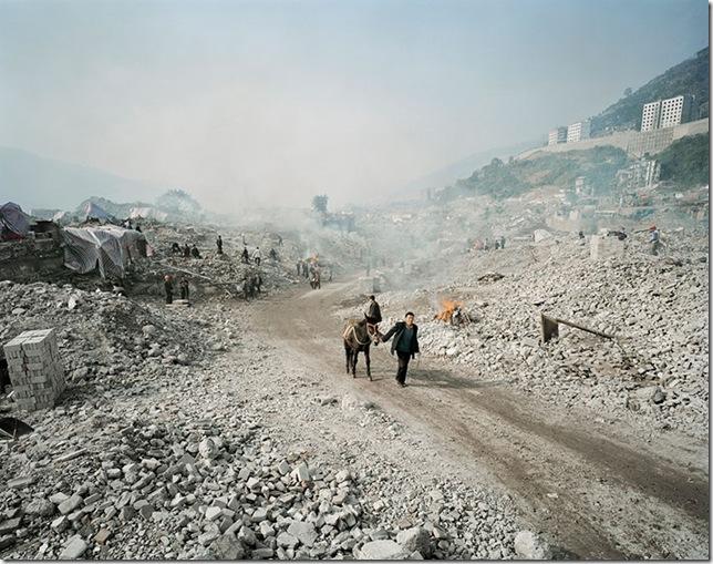 edward-burtynsky-china-three-gorges-dam-02-article