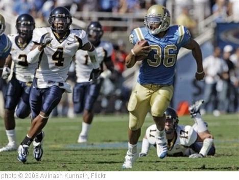'California UCLA Football' photo (c) 2008, Avinash Kunnath - license: http://creativecommons.org/licenses/by/2.0/