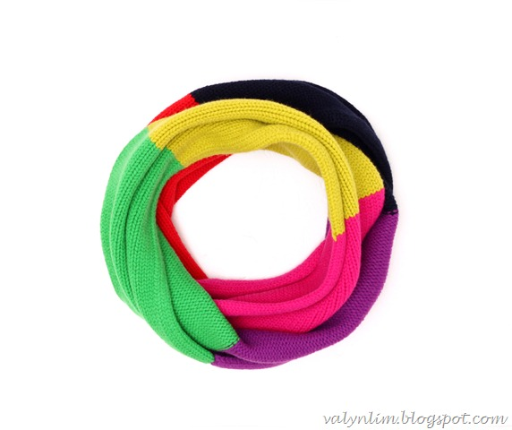 surprise ball_infinity scarf 01