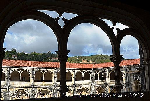 Glória Ishizaka - Mosteiro de Alcobaça - 2012 - 87 - vista do castelo