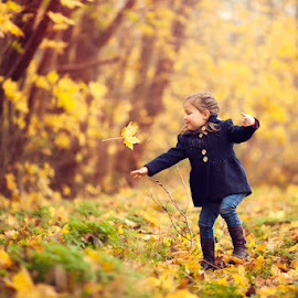 Catching Leaves by Chinchilla  Photography - Babies & Children Toddlers