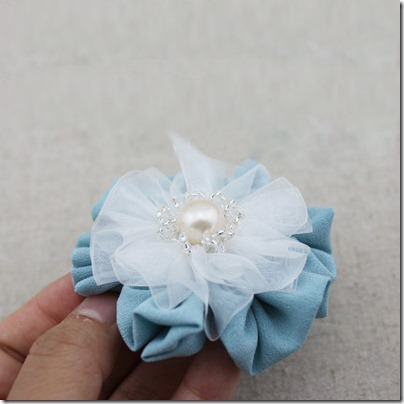 Flower-hair-clip-tutorial-1