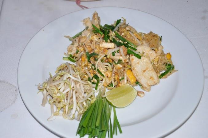 Imagini Thailanda: Pad Thai, mancare thailandeza. Chiang Mai, Thailanda