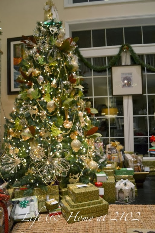 Christmas Tree With Burlap