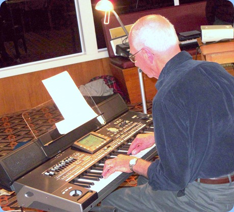Our guest artist, John Perkin, playing his Korg Pa3X. John chose a selection of great standards and semi-classical pieces that brought out the versatility of the sounds on this newly released keyboard from Korg.