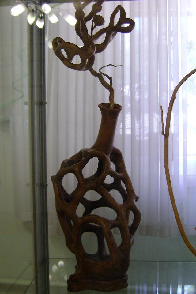 Резчик по дереву из Таганрога Николай Копцев