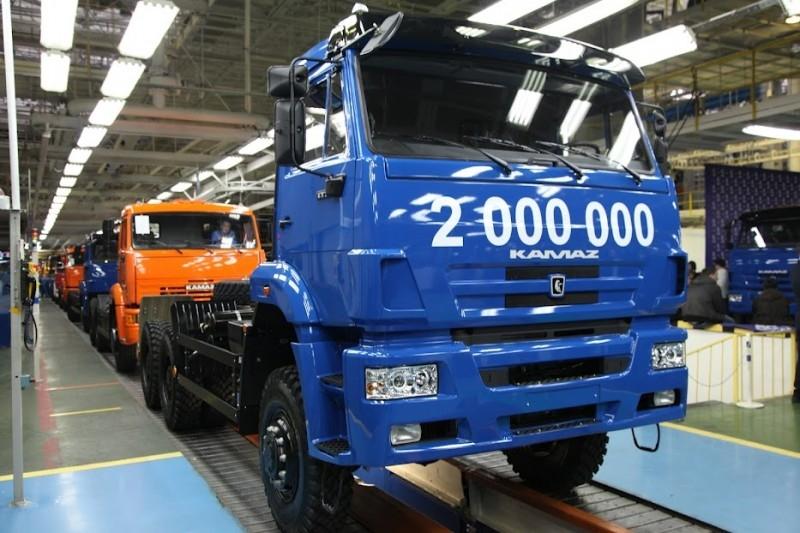 kamaz200milliontruck-2.jpg