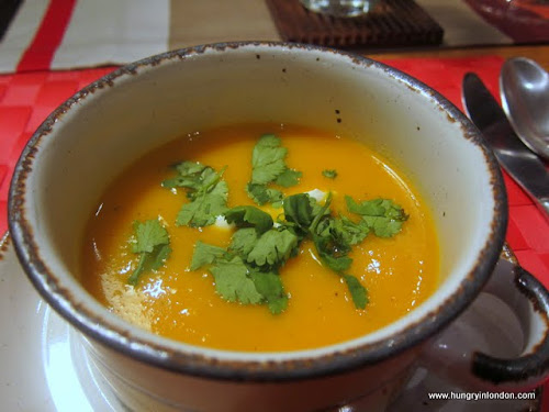  Ute cooks: WARMING GINGER CARROT SOUP 