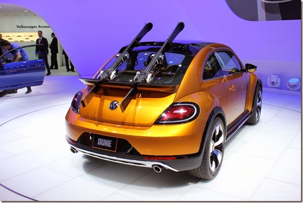 2014-VW-Beetle-Dune-Concept-at-2014-NAIAS-rear-quarter-2