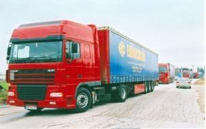 """""""Αδειάζει"""" το υπουργείο τους ιδιοκτήτες φορτηγών"""