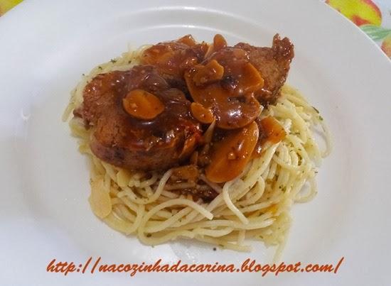 filézinho-suíno-ao-molho-com-espaguete-alho-e-óleo-02