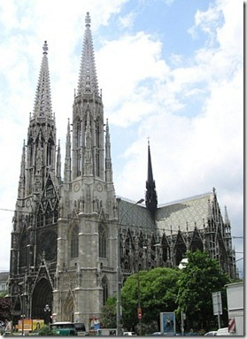 the-massive-vienna-cathedral