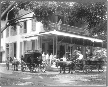 COLLECTIE_TROPENMUSEUM_Hotel_des_Indes_in_Batavia_TMnr_60009042
