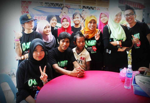 kanak-kanak riang_peace