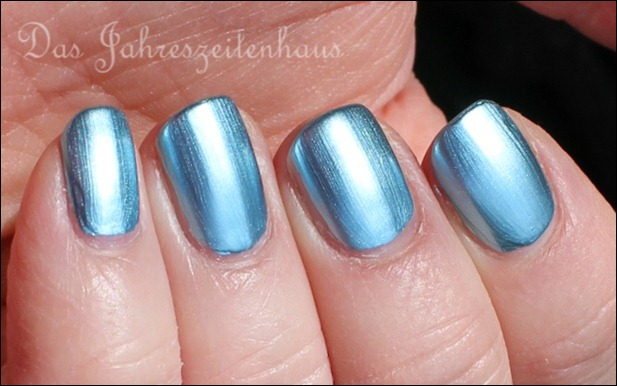 KIKO Mirror 624 Sky Blue 5