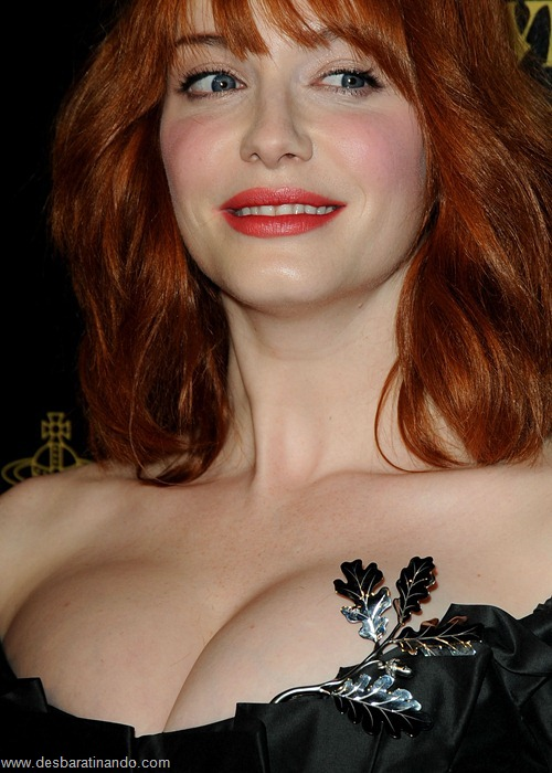Christina Hendricks linda sensual sexy sedutora decote peito desbaratinando (85)
