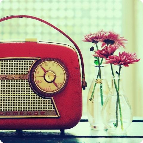 recomendaciones para entrevistas en radio radio retro rojo femenino flores