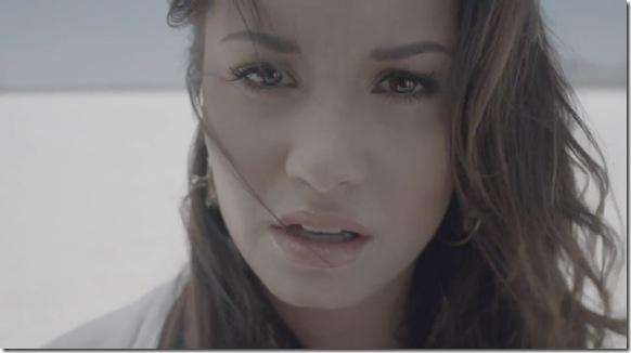 Demi Lovato - Skyscraper 1