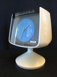 RCA tulip clock radio front