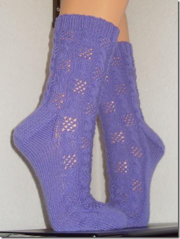 2013_08 Socken Fischernetz in lila (3)