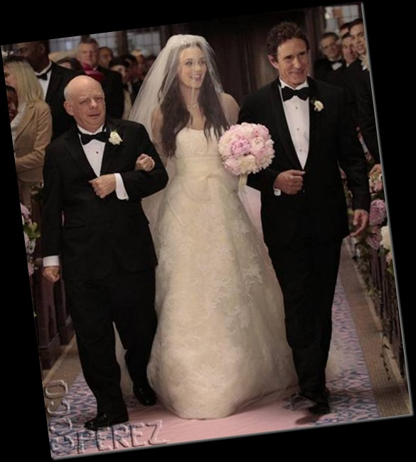 blair-waldorf-vera-wang-wedding-gown-photo__oPt