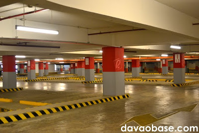 Here's a rare sight: an empty parking lot at Abreeza Mall!