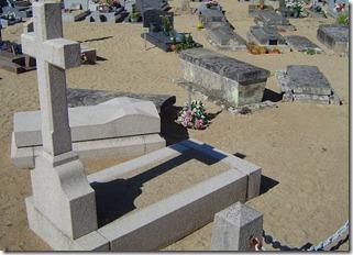 Les tombes des curés dans l'ancien cimetière