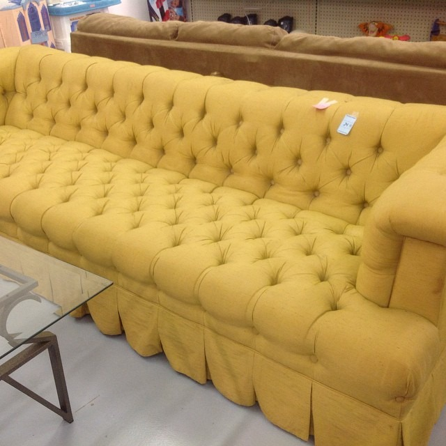 thriftscorethursday urvintagegirl yellow sofa