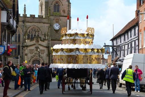 Торт на день рождения Шекспира в Стратфорде