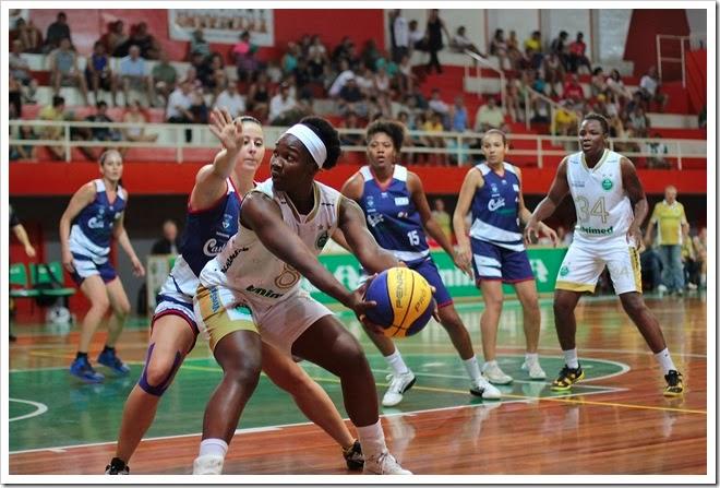 clarissa-unimed-ourinhos-jogo-1-semi-paulista-2013-zaramelo-jr