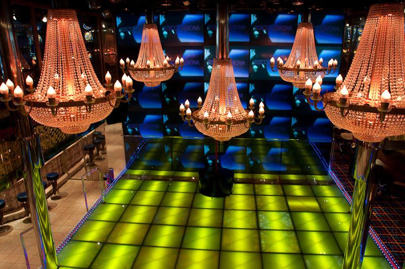 Третий день. Casablanca. Morocco. Круиз. Costa Concordia. По пути заглянули в танц зал дискотеки Лисбоа.