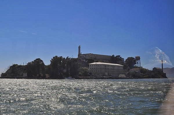 在海上看到的Alcatraz島