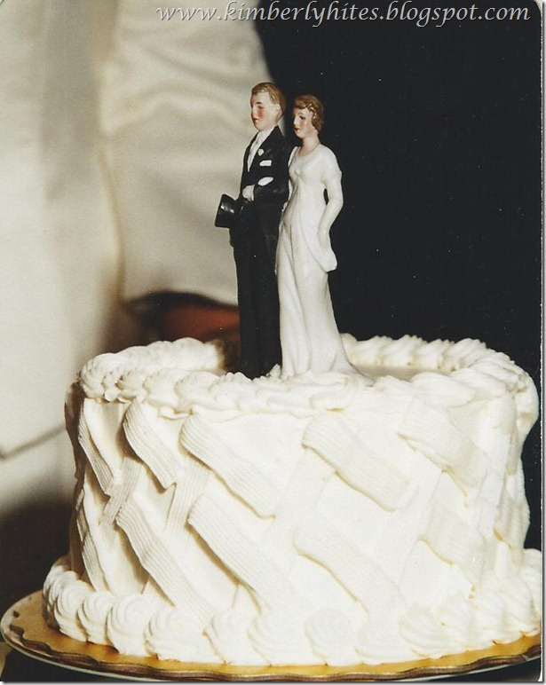 vintage_wedding_cake_topper_ideas