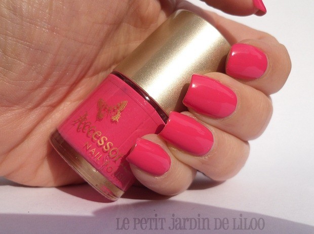 02-accessorize-nail-polish-passion-swatch-review