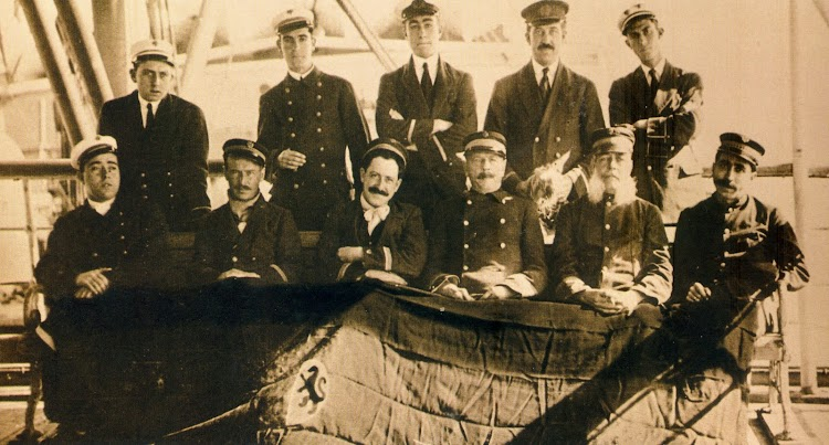 Nueva Orleáns 1916. Oficiales del VALBANERA. Foto Archivo Juan Carlos Díaz Lorenzo. Del libro El Misterio del VALBANERA.jpg
