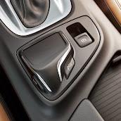 Makyajli-Opel-Insignia-2014-8.jpg
