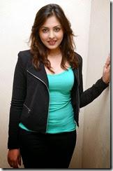 Madhu_shalini_new_stylish_photo