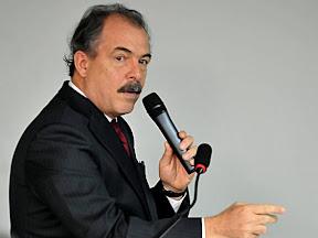 Ministro da Ciência e Tecnologia: Aloizio Mercadante