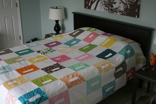 spring-quilt-on-bed