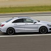 2014-Mercedes-CLA-42.jpg