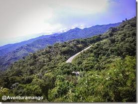 Estradas sinuosas em Topes de Collantes - Cuba